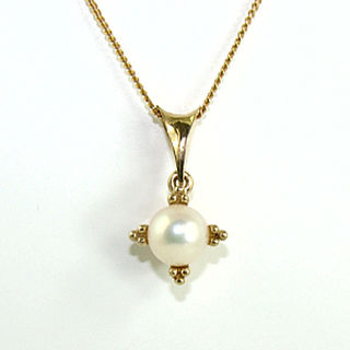 Cultured Pearl  9ct.