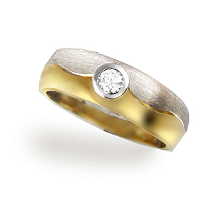 Single Design TT Diamond ring 18ct.